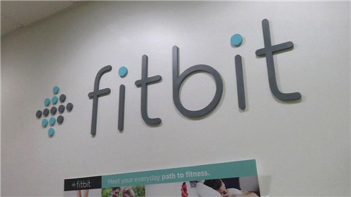 Fitbit Faces the Heat After Apple Watch Release