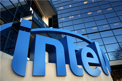 Intel Floats Higher Ahead of Earnings Report
